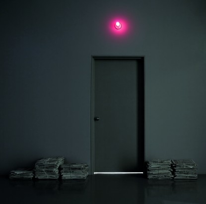 01-robert_gober_door_with_lightbulb3